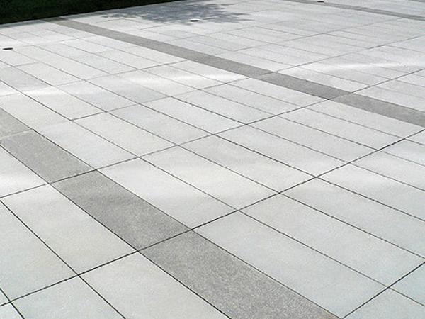 Referenzen für Grossformatplatten von SELING Beton